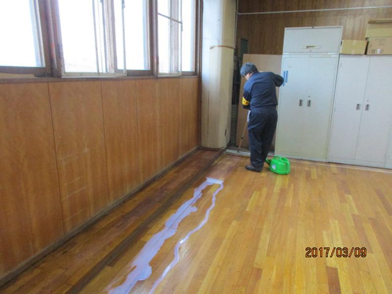 武道館ウレタン塗装作業