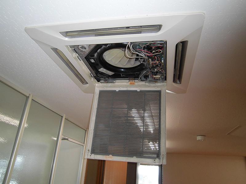 天井付型エアコン清掃